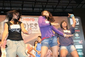 MTV Roadies Girl Participants dancing on stage